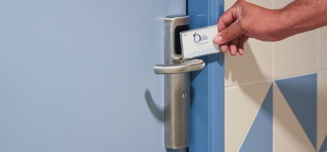 porte accès sécurisé